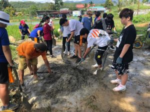 embracing-the-spirit-of-community-service-during-week-without-walls